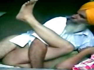 Ugly bearded Indian old man fucks anon brunette's cunt missionary