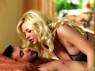 Bosomy babe Courtney Taylor  sucks meaty cock passionately