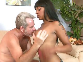 Mature white dude enjoys banging ebony beauty Porscha Carrera