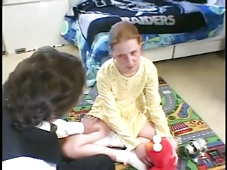 STP3 Victoria Gets A Toy From Her New Stepdaddy !