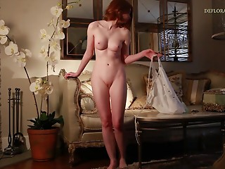 Hottest redhead on the planet and her mind-blowing solo adventure