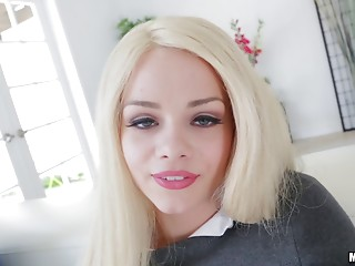 Slim Elsa Jean looks fragile but that babe can easily handle the hard sex
