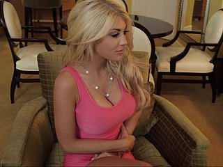 I had a chance to hook up with recent comer, Kayla Kayden